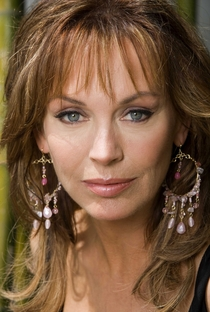 Lesley-Anne Down - Poster / Capa / Cartaz - Oficial 1