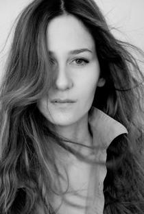 Ivana Basic - Poster / Capa / Cartaz - Oficial 1