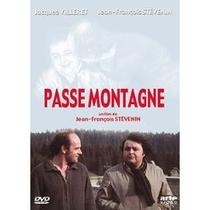 Le passe-montagne - Poster / Capa / Cartaz - Oficial 1