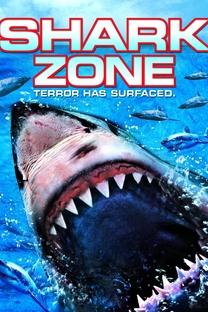 Perigo no Mar  - Poster / Capa / Cartaz - Oficial 3