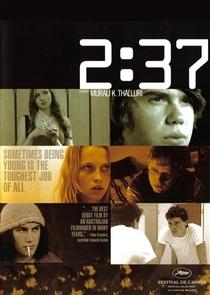 2h37 - É Só Uma Questão de Tempo - Poster / Capa / Cartaz - Oficial 1