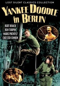 Yankee Doodle in Berlin - Poster / Capa / Cartaz - Oficial 1
