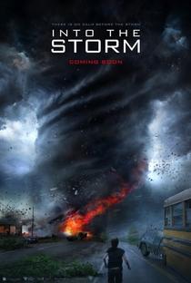 No Olho do Tornado - Poster / Capa / Cartaz - Oficial 1