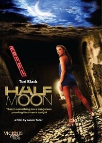 Half Moon - Poster / Capa / Cartaz - Oficial 1
