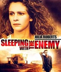 Dormindo Com o Inimigo - Poster / Capa / Cartaz - Oficial 2