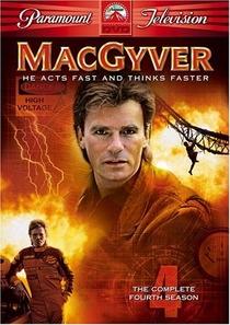 MacGyver - Profissão: Perigo (4ª Temporada) - Poster / Capa / Cartaz - Oficial 1