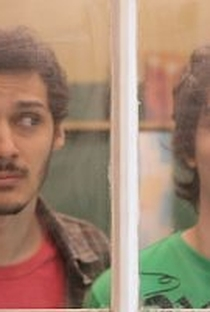 Morando Sozinho (2ª Temporada) - Poster / Capa / Cartaz - Oficial 2