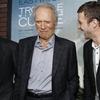 "Clint Eastwood fala sobre as dificuldades de atuar e dirigir em ""Curvas da Vida"""