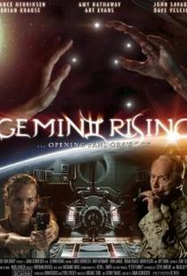 Alien Rising - Poster / Capa / Cartaz - Oficial 1