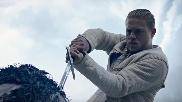 Rei Arthur: A Lenda da Espada | Filme ganha trailer com música de Led Zeppelin