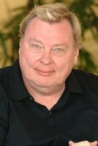 Larry Drake (I)