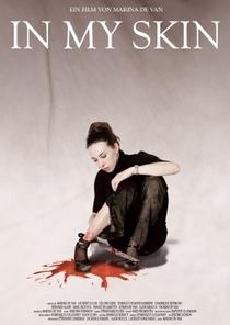 Em Minha Pele - Poster / Capa / Cartaz - Oficial 1