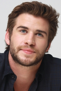 Liam Hemsworth - Poster / Capa / Cartaz - Oficial 4