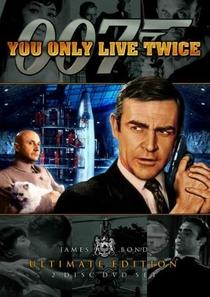 Com 007 Só Se Vive Duas Vezes - Poster / Capa / Cartaz - Oficial 2