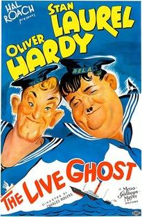 Um Fantasma Muito Vivo - Poster / Capa / Cartaz - Oficial 1