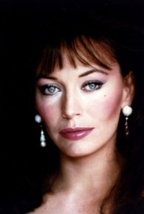Lesley-Anne Down - Poster / Capa / Cartaz - Oficial 6
