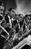 Dancing Through The Blitz: Blackpool's Big Band Story (Dancing Through The Blitz: Blackpool's Big Band Story)