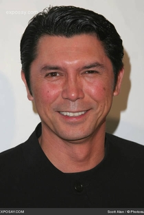 Lou Diamond Phillips - Poster / Capa / Cartaz - Oficial 1
