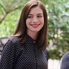 Anne Hathaway pode estrelar Vila Sésamo