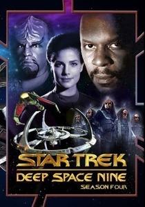 Jornada nas Estrelas: Deep Space Nine (4ª Temporada) - Poster / Capa / Cartaz - Oficial 1