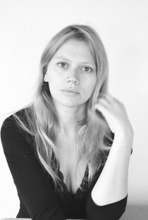 Lucie Borleteau - Poster / Capa / Cartaz - Oficial 1