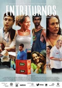 Entreturnos - Poster / Capa / Cartaz - Oficial 2