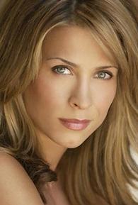 Christina Cox (I)