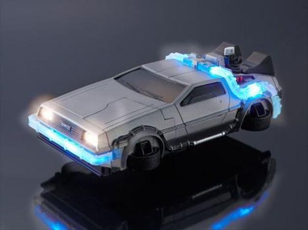 DeLorean vira capa de iPhone