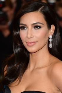 Kim Kardashian West - Poster / Capa / Cartaz - Oficial 7