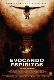 Evocando Espíritos - Poster / Capa / Cartaz - Oficial 1