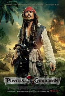 Piratas do Caribe: Navegando em Águas Misteriosas - Poster / Capa / Cartaz - Oficial 3