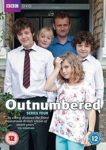 Outnumbered (4ª temporada) - Poster / Capa / Cartaz - Oficial 1