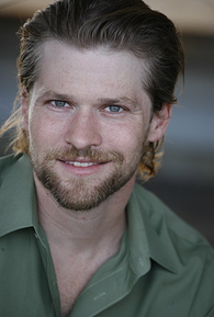Todd Lowe (I)