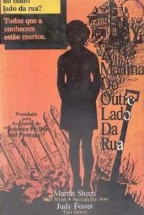 A Menina do Outro Lado da Rua - Poster / Capa / Cartaz - Oficial 6