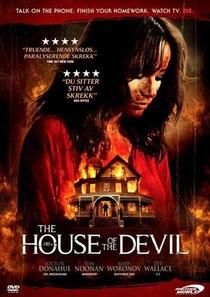 A Casa do Demônio - Poster / Capa / Cartaz - Oficial 11