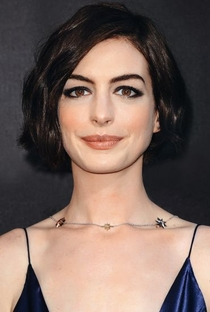 Anne Hathaway - Poster / Capa / Cartaz - Oficial 20