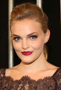 Madeline Brewer - Poster / Capa / Cartaz - Oficial 1