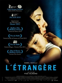 A Estrangeira - Poster / Capa / Cartaz - Oficial 3