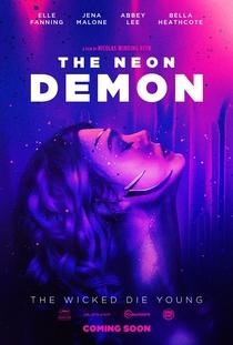 Demônio de Neon - Poster / Capa / Cartaz - Oficial 15