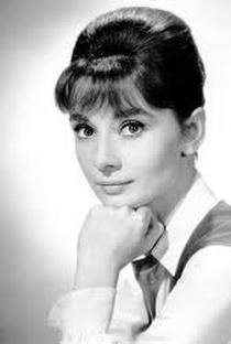 Audrey Hepburn (I) - Poster / Capa / Cartaz - Oficial 8
