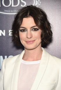 Anne Hathaway - Poster / Capa / Cartaz - Oficial 21