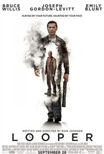 Looper - Assassinos do Futuro - Poster / Capa / Cartaz - Oficial 3