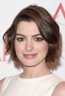 Anne Hathaway - Poster / Capa / Cartaz - Oficial 11