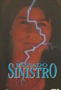 Passado Sinistro - Poster / Capa / Cartaz - Oficial 2