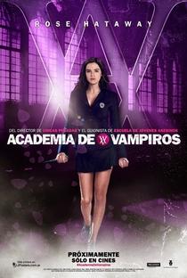 Academia de Vampiros: O Beijo das Sombras - Poster / Capa / Cartaz - Oficial 9