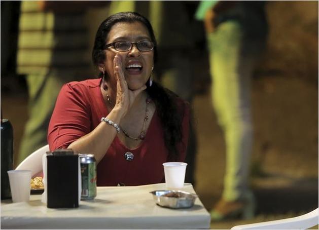 """CineNews: """"Que horas ela volta?"""" com Regina Casé é um sucesso internacional. – Película Criativa"""