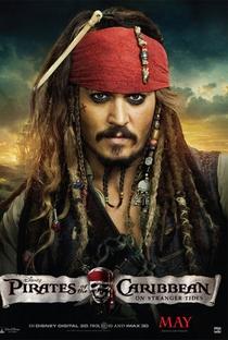 Piratas do Caribe: Navegando em Águas Misteriosas - Poster / Capa / Cartaz - Oficial 7