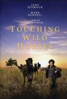 Ilha dos Cavalos Selvagens (Touching Wild Horses)
