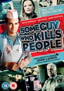 Um Cara que Mata Pessoas - Poster / Capa / Cartaz - Oficial 4