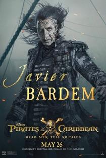 Piratas do Caribe: A Vingança de Salazar - Poster / Capa / Cartaz - Oficial 10